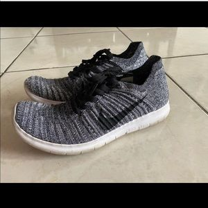 Nike free time fly knit gray